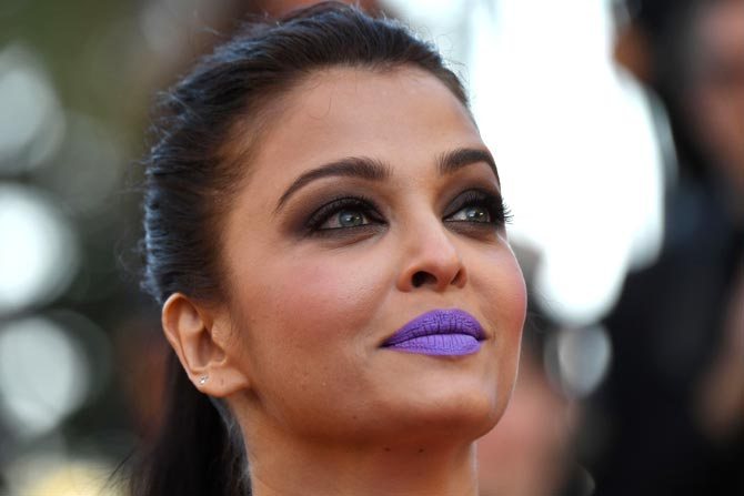 Aishwarya-purple-lips-Canne