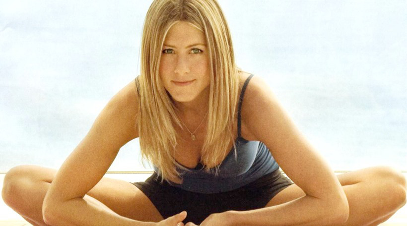 jennifer_aniston_yoga-1-bp-blogspot-via-worthylifetlks-com