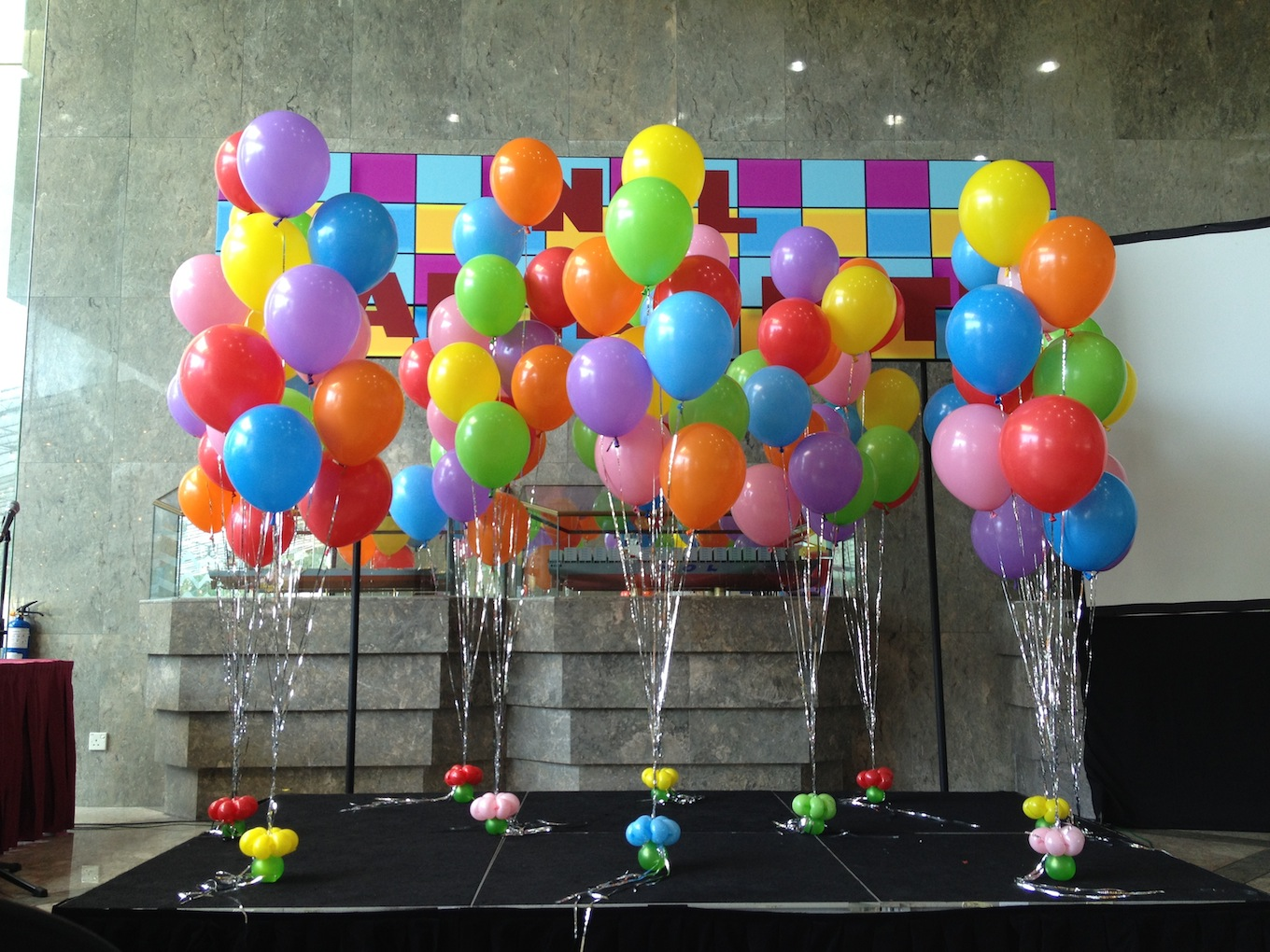 Decoration with 50 Balloons