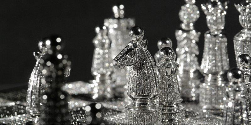 charles-hollander-diamond-chess-set